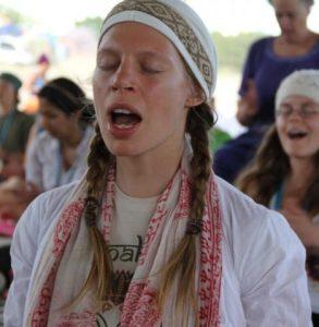 El yoga utiliza mantras poderosos en su práctica